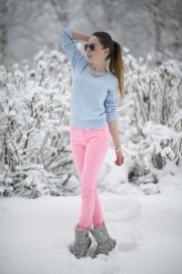 с чем носить брюки розового цвета фото