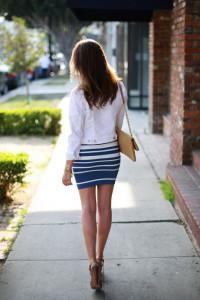 С чем носить юбку в полоску