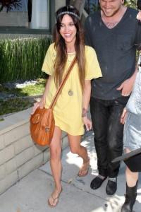 с чем носить платье желтого цвета