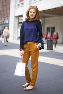 оранжевые брюки фото