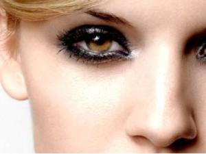 Как накрасить маленькие глаза, чтобы они казались больше
