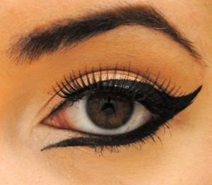 Как красиво накрасить карие глаза