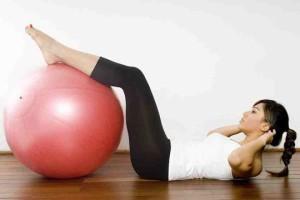 Занятия на мяче для похудения