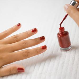 Как правильно красить ногти на руках