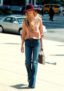 с чем носить джинсы с высокой талией