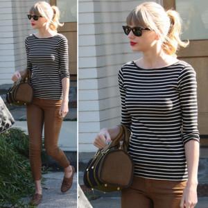 с чем носить джинсы коричневого цвета фото