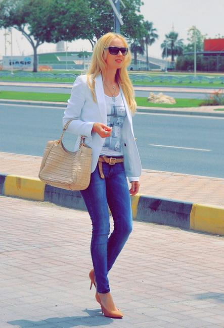 С чем носить темные джинсы фото