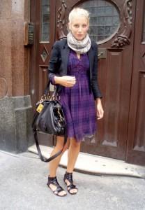 платье фиолетового цвета фото