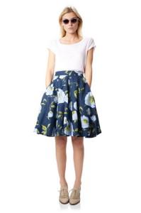 С чем носить юбку клеш