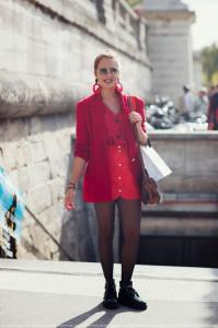 С чем носить красную блузку фото