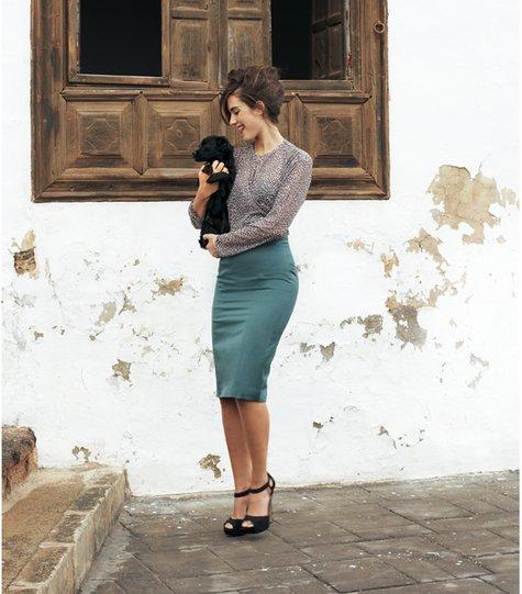 История этой вещи женского гардероба уходит в далекие 50-е - годы появления стиля нью-лук