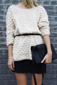 свитер белого цвета фото