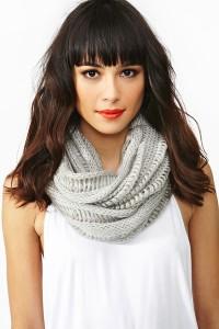 Как носить шарф восьмерку