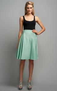 с чем носить расклешенную юбку