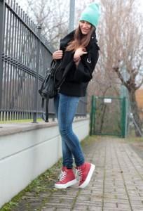 обувь красного цвета