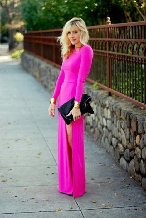 Розовое платье с чем носить