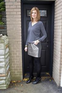 С чем носить блестящую юбку фото