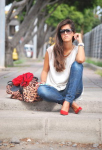 с чем носить туфли красного цвета фото