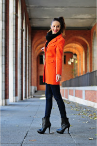 рыжее пальто фото