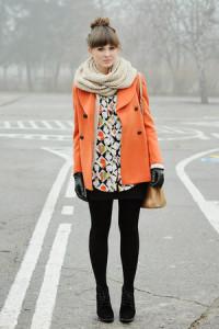 С чем носить оранжевое пальто фото