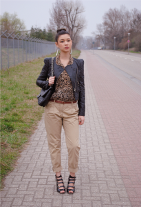 Блузка с леопардовый принтом  фото