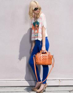 С чем носить цветные леггинсы
