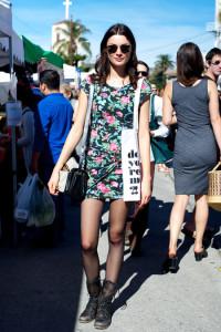 с чем носить цветочное платье фото