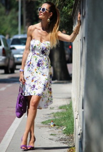 с чем носить платье с цветочным принтом