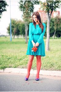 С чем носить бирюзовое платье фото
