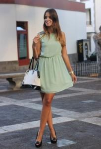 С чем носить платье мятного цвета