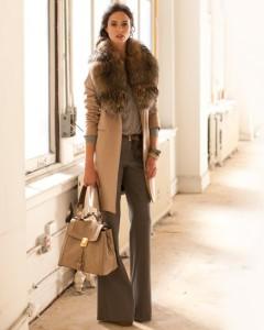 с чем носить пальто с меховым воротником  фото