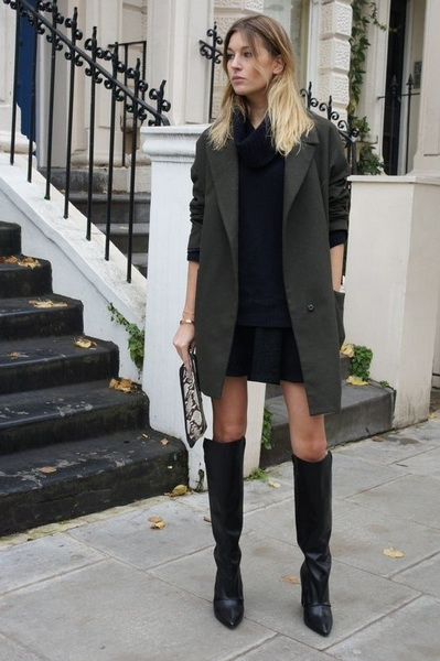 Длинные сапоги и короткая юбка