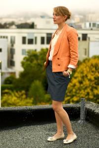 пиджак оранжевого цвета фото