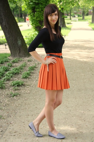 С каким цветом сочетается оранжевый