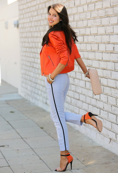 Сочетается ли желтое платье с оранжевым пиджаком