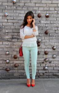 брюки светло-зеленого цвета