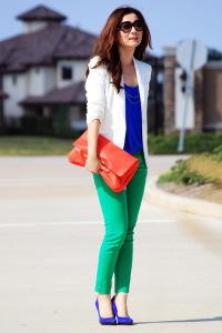 сочетание темно зеленого цвета в одежде фото