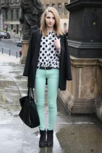 брюки светло-зеленые фото