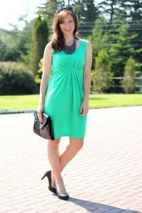 Какая обувь подходит к зеленому платью  фото