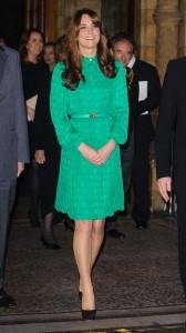 Какие туфли подходят к зеленому платью