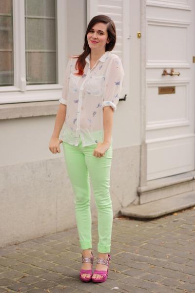 С чем носить блузки зеленого цвета