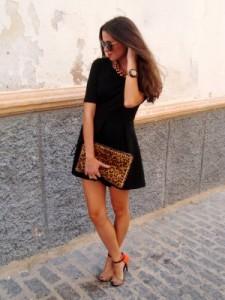 с чем носить платье черного цвета