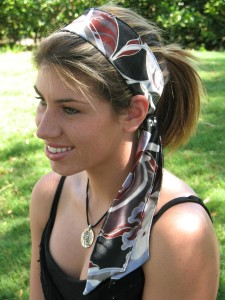 Как красиво носить платок на голове