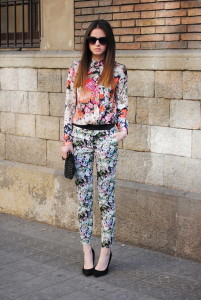 брюки с цветочным принтом