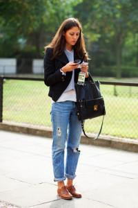 подвернутые джинсы фото