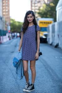 как носить платье с converse