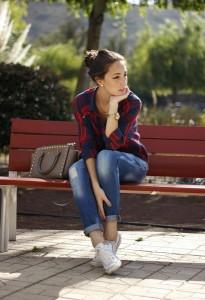 с чем носить дырявые джинсы фото