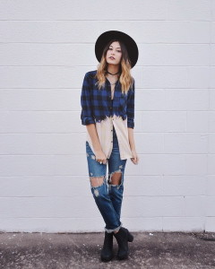 navy-dress-shirt-blue-boyfriend-jeans-black-ankle-boots-black-hat-original-7085