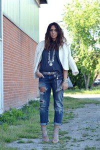 silver-no-brand-shoes-navy-zara-jeans-ivory-zara-jacket-gray-zara-t-shirt_400