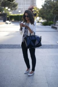 blazer-crew-neck-t-shirt-skinny-jeans-ballerina-shoes-tote-bag-sunglasses-necklace-original-6108